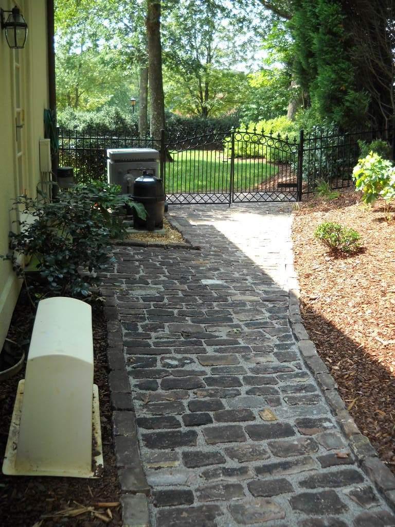 Reclaimed Midwest Cobblestones Medina Sandstone Stone